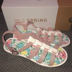 Super cute Call it Spring Sandals Size 7.5 new